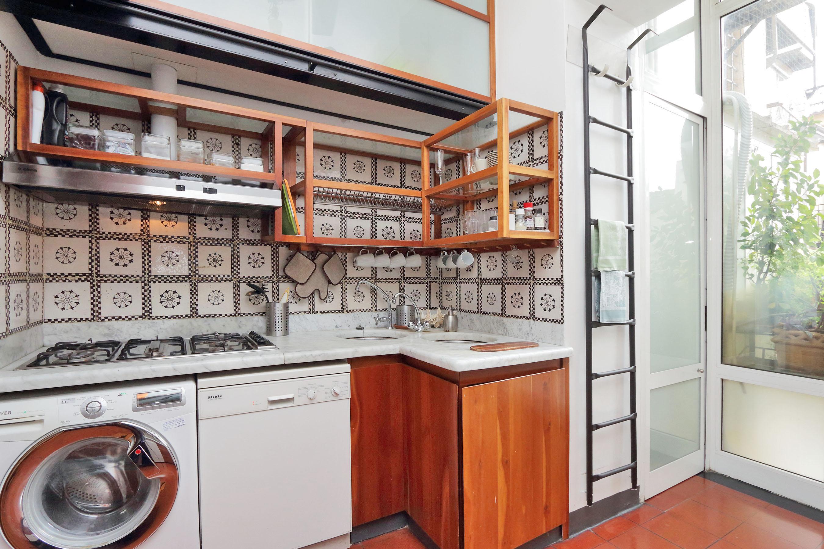 10-L1-Kitchen B