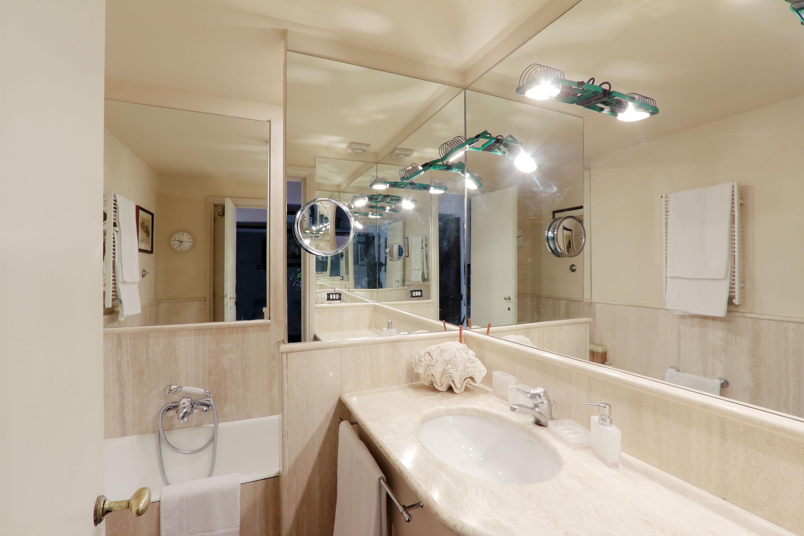 17-L1-third bathroom