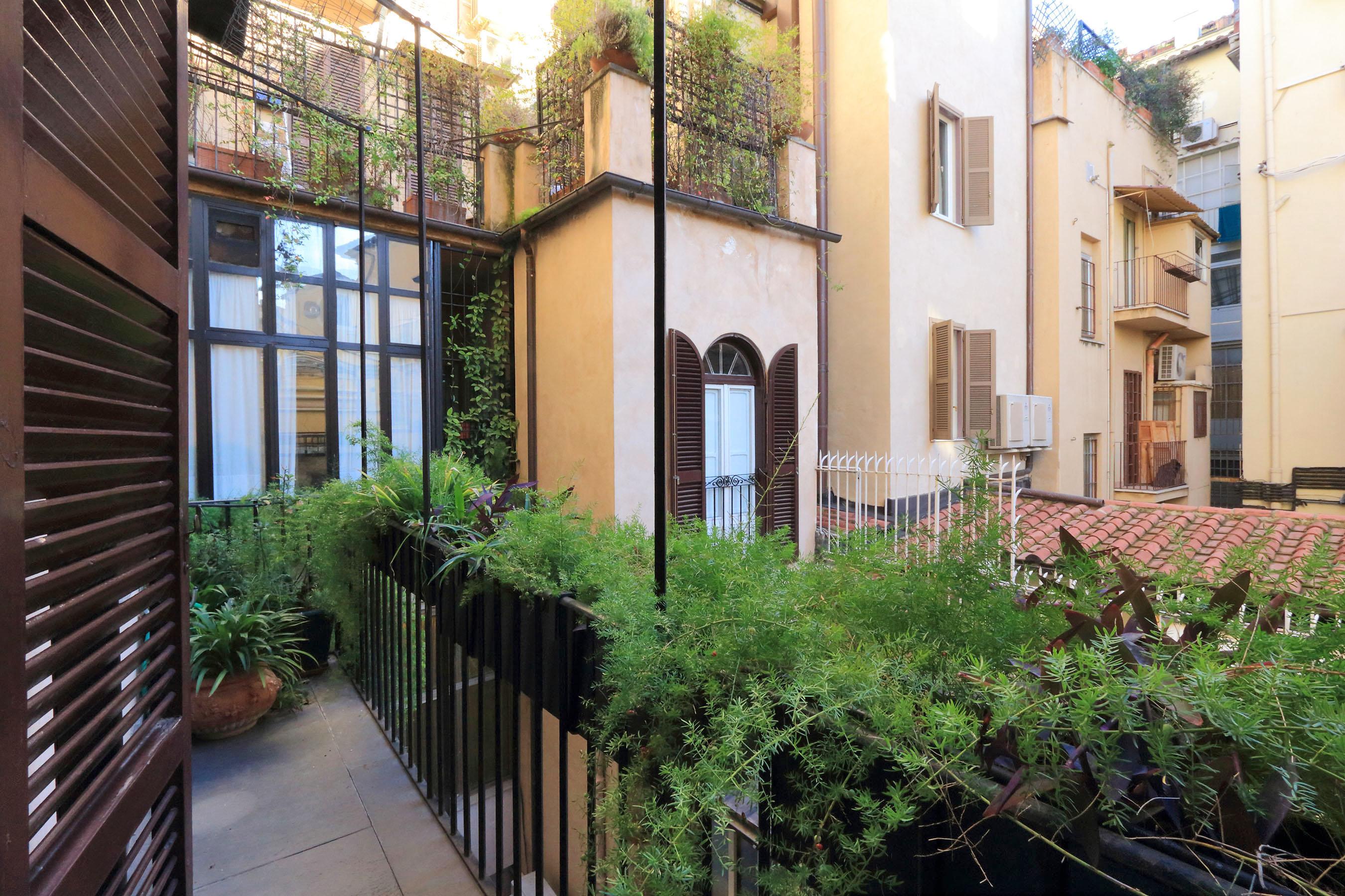 20-L3-balcony
